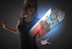 Kvinna och futusistic hologram Arkivbilder