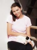 Kvinna och katt Arkivbild