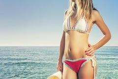 Kvinna och strand Fotografering för Bildbyråer