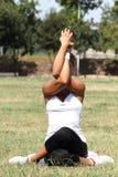Kvinna och yoga Royaltyfri Bild