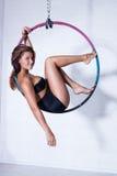 Kvinna på cirkeln arkivfoto