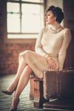 Kvinna på en drevstation Royaltyfria Foton