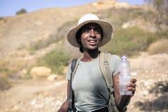 Kvinna på en tur arkivbilder