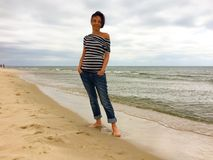 Kvinna på havet Royaltyfria Foton