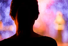 Kvinna på konserten   Arkivfoto