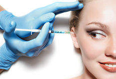 Kvinna på plastikkirurgi Royaltyfria Foton