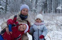 Kvinna, pojke och flicka Arkivfoto
