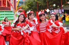 Kvinna` s på kines Chingay Parada, Singapore royaltyfri fotografi