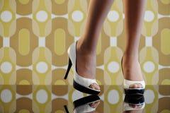 Kvinna skor Arkivfoto