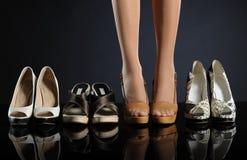 Kvinna skor Arkivfoton