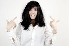 Kvinna som är desperat om smutsigt hår Royaltyfri Fotografi