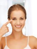 Kvinna som är klar för kosmetisk kirurgi Arkivfoto