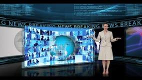 Kvinna som anmäler om breaking news lager videofilmer