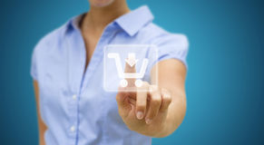 Kvinna som direktanslutet shoppar Arkivfoton