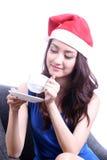 Kvinna som dricker kaffe Royaltyfri Foto