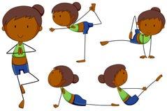 Kvinna som gör yoga i olika positioner Fotografering för Bildbyråer