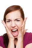 Kvinna som högt skriker arkivbilder