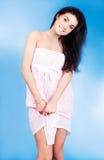 Kvinna som ha på sig pajamas Royaltyfri Bild