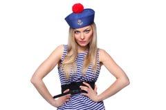 Kvinna som kläs som en sjöman Arkivbild