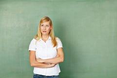 Kvinna som lärare framme Arkivbild