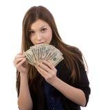 Kvinna som räknar pengar Arkivbild