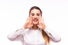 Kvinna som ropar - som isoleras över en vit bakgrund Arkivbilder