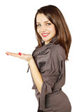 Kvinna som rymmer en hand arkivfoton