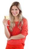 Kvinna som rymmer exponeringsglas för vitt vin Royaltyfri Fotografi
