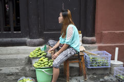 Kvinna som säljer bristol Royaltyfri Fotografi