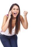 Kvinna som skriker på ringa och ser ilsken royaltyfria foton