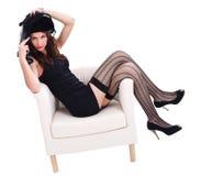 Kvinna som slitage sexig svart kläder Arkivbilder