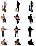 Kvinna som spelar konturn och illustrationen för akustisk gitarr Royaltyfri Bild