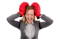 Kvinnaaffärskvinna med boxninghandskar Arkivbild