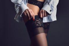 Kvinnaben och strumpor Fotografering för Bildbyråer