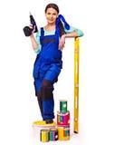 Kvinnabyggmästare med konstruktionshjälpmedel Royaltyfri Bild