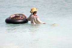 Kvinnacolecitdhavsväxt, Nusa Penida, Indonesien royaltyfri foto