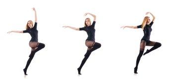 Kvinnadansen som isoleras på viten Arkivbild