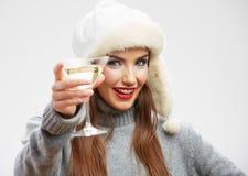Kvinnadrink, vinexponeringsglas Le lycklig flicka Royaltyfri Bild
