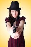 Kvinnagangster med handeldvapnet arkivfoto
