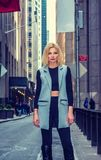 Kvinnagatamode i New York royaltyfria foton