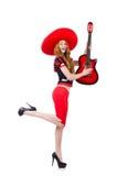 Kvinnagitarrspelare med sombreron Fotografering för Bildbyråer