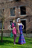Kvinnahaute coutureklänningen parkerar Royaltyfria Foton