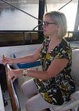 Kvinnakapten av skeppet Royaltyfri Foto