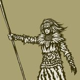 Kvinnakrigaren rymmer ett spjut i hennes högra utsträckta hand Royaltyfri Bild