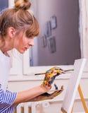 Kvinnamålare Arkivbild