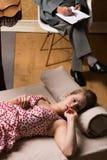 Kvinnan är mycket ledsen Royaltyfria Foton