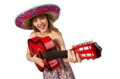 Kvinnan i musikaliskt begrepp med gitarren på vit Royaltyfri Fotografi