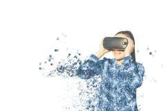 Kvinnan med exponeringsglas av virtuell verklighet Fragmenterat av PIXEL royaltyfria foton
