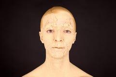 Kvinnan med framsidamaskeringen Arkivfoton