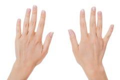 Kvinnan med manicured naturligt spikar royaltyfria foton
